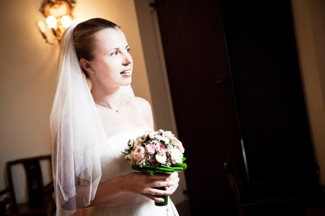 Свадьба в Тоскане. Букет невесты / Wedding in Tuscany. Small classic bridal bouquet