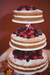 Свадебный торт. Бисквит с фруктами