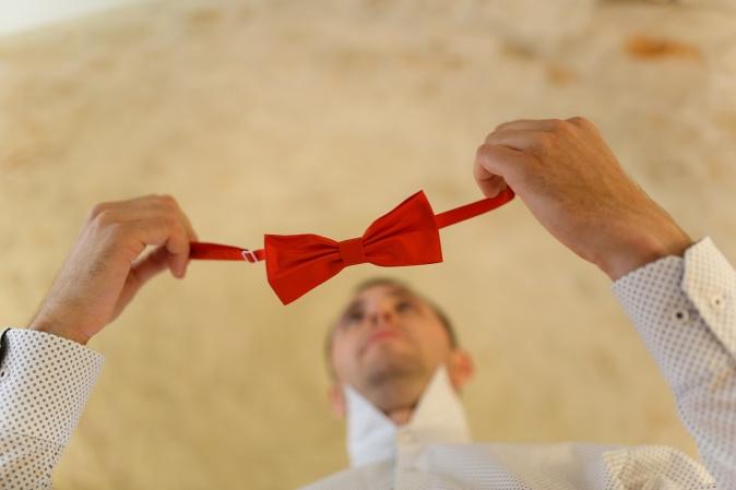 Свадьба в Апулии. Красная бабочка жениха / Wedding in Puglia. Groom's bow tie red