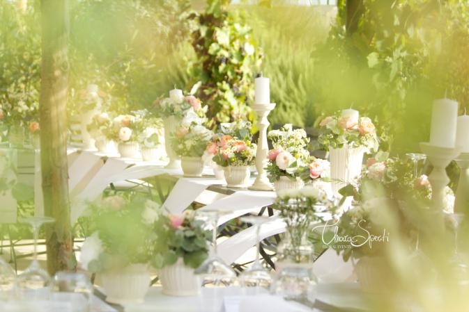 Свадьба в Италии - цветочное оформление стола
