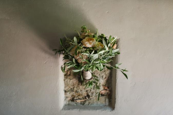 Свадьба в Тоскане. Букет невесты с английскими розами и веточками оливки / Wedding in Tuscany. Bridal bouquet English roses and olive branches