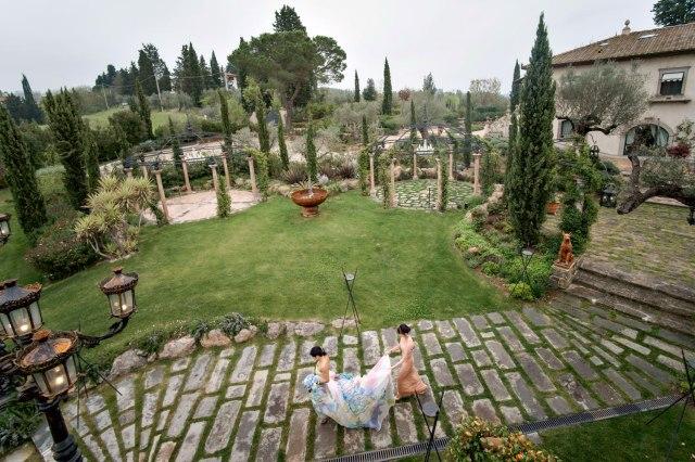 Wedding in Tuscany. Civil ceremony