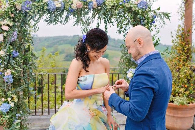Wedding in Tuscany. Civil ceremony in private villa