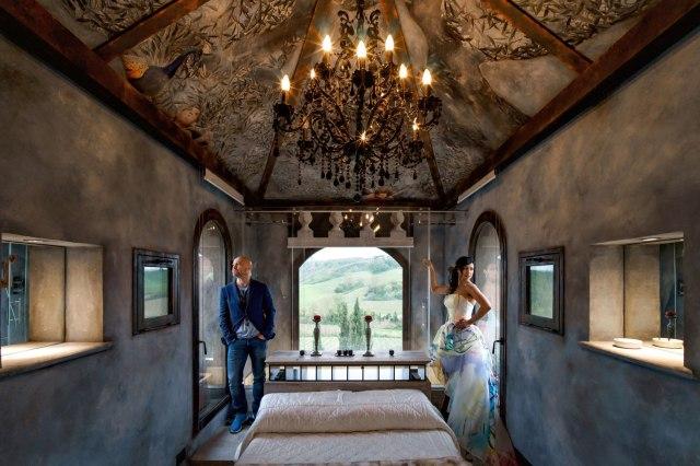 Wedding in Tuscany. Honeymoon suite Villa Corbinaia