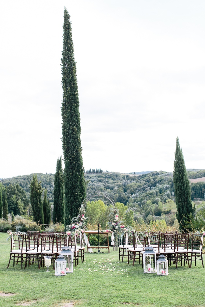 official wedding in tuscany at private villa