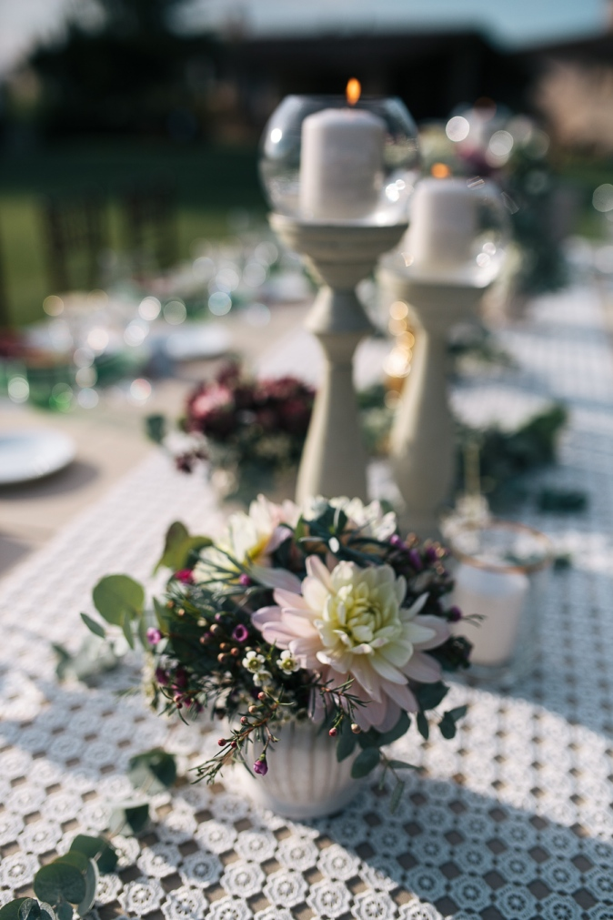 wedding in tuscany wedding table flower decor ideas