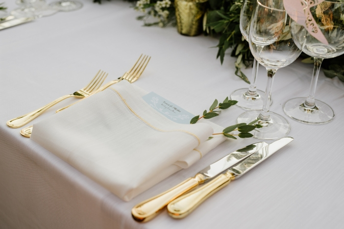 Tuscany weddiСвадьба в Тоскане. Сервировка стола. / Wedding in Tuscany. Wedding table decor gold