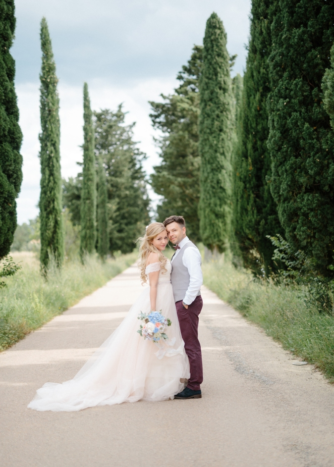 wedding in umbria light blue bouquet