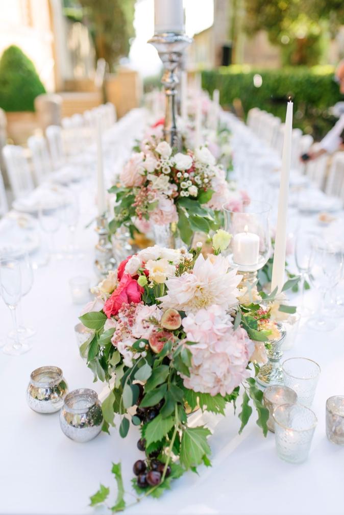 цветочный декор для свадебного стола