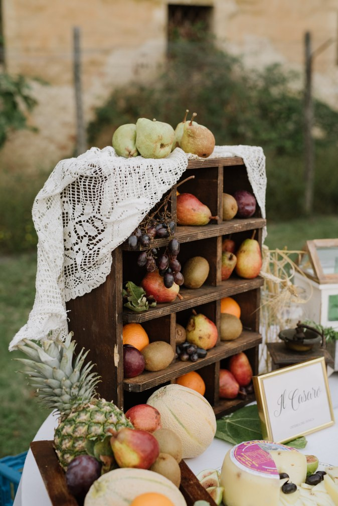 Wedding in Tuscany. Buffet decor ideas